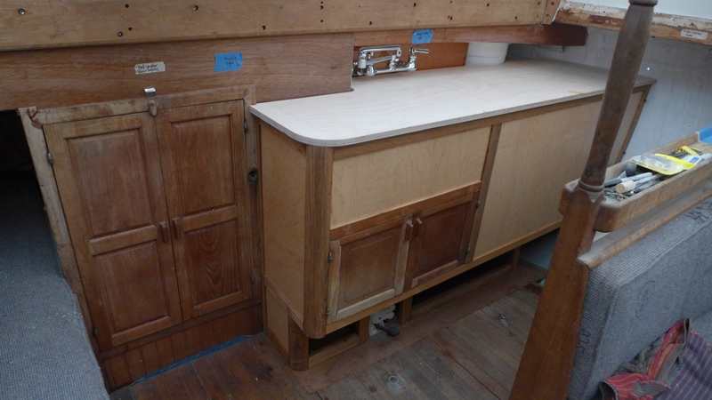 07_galley_cabinet_s